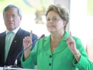Negativo. Dilma Rousseff garantiu ontem a empresários que não vai faltar energia no Brasil