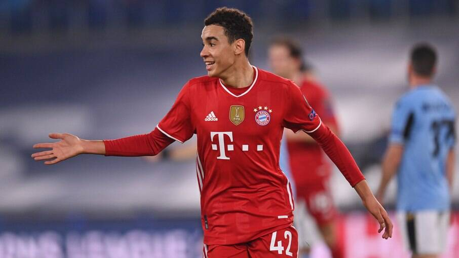 Bayern goleia Lazio pela Champions