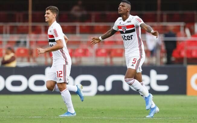 Gol de Arboleda garantiu a vitória do São Paulo