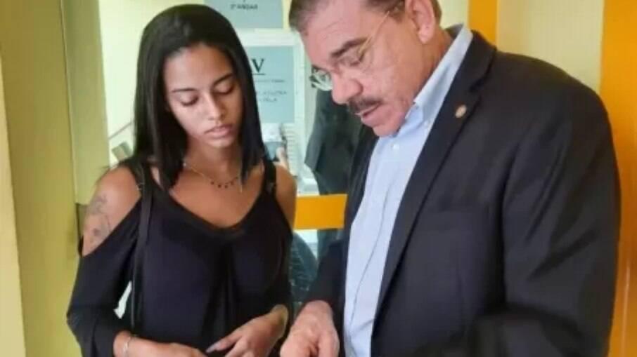 Letícia Brazão com deputado Átila Nunes