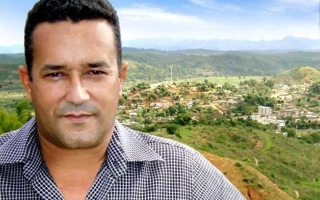 O prefeito de Naque (MG)Hélio Pinto de Carvalho (PSDB), foi morto a tiros por um vereador da cidade