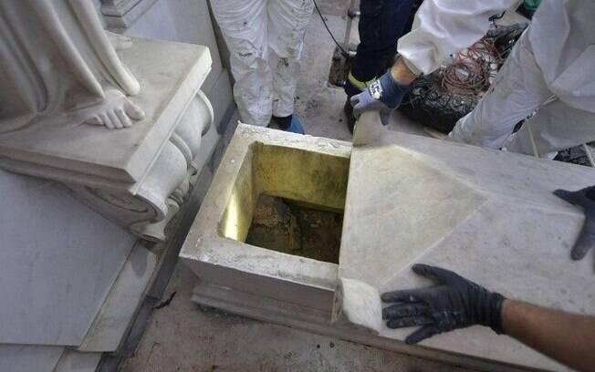 Apesar de expectativa, nada foi encontrado nos túmulos