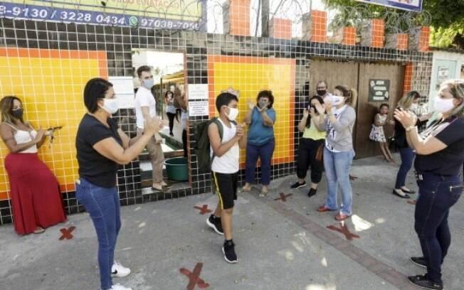 Escolas que reabriram as portas nos últimos dias terão que voltar a fechar após decreto