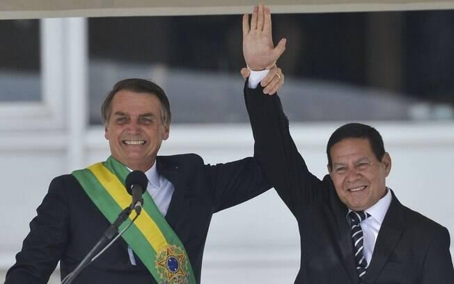 Com viajem de Jair Bolsonaro à Suíça, vice-presidente, general Hamilton Mourão, assume a presidência da República, até o final da semana