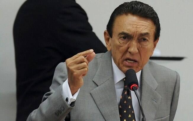 Nomeação de Edison Lobão ao cargo de presidente da CCJ no Senado, que irá sabatinar Moraes, é polêmica