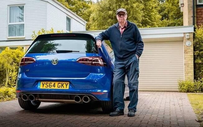 VW Golf R: hatch esportivo tem potência original do motor 2.0 turbo quase dobrada para deixar senhor satisfeito