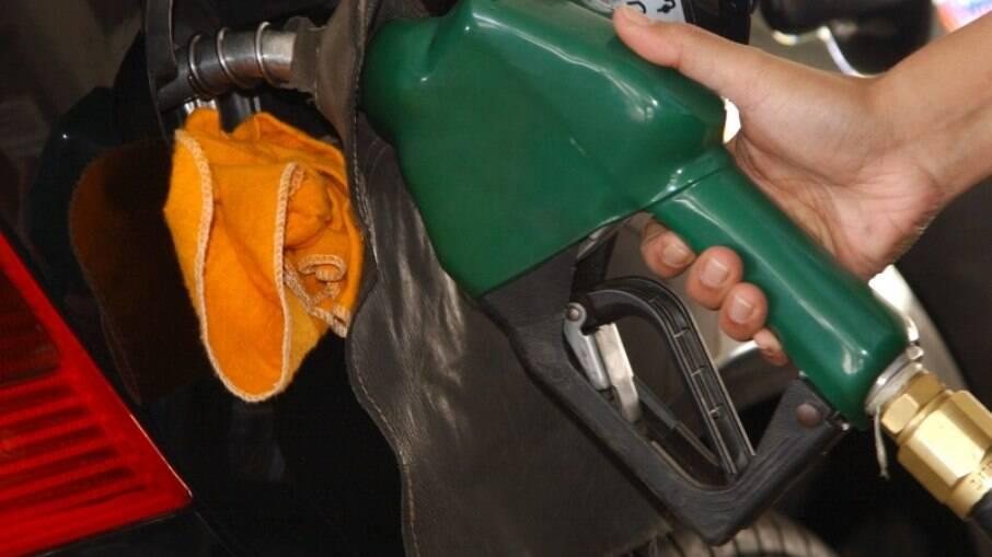 Bolsonaro pediu maior fiscalização do órgão para coibir altos preços nos combustíveis