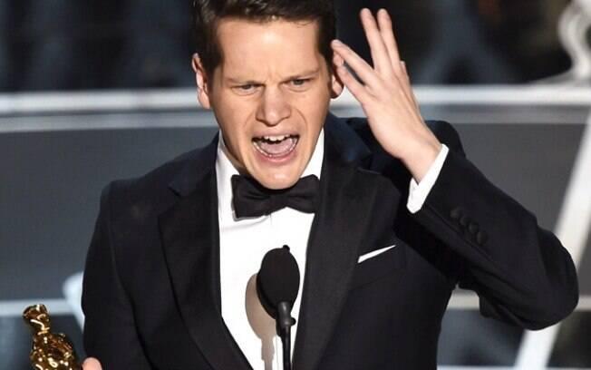 Graham Moore faz seu discurso de agradecimento pelo Oscar de Melhor Roteiro Adaptado