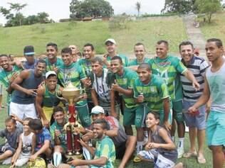 Atletas, dirigentes e torcedores do Oeste festejaram o título da equipe no torneio regional