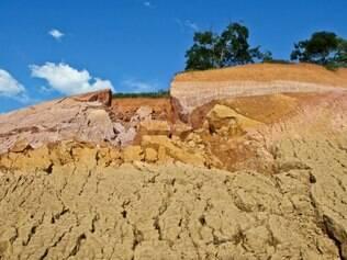 Área rural de Nova Era teve nascentes destruídas além dos inconvenientes causados pela obra que passam em sua propriedade. Foto: Mariela Guimarães