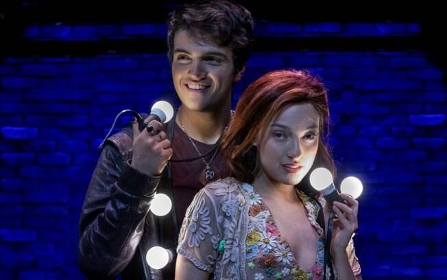 O espetáculo conta uma história de amor de um astro que procura sua musa inspiradora