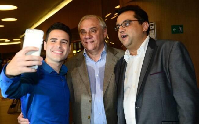 Elenco e famosos vão a pré-estreia de 'Os Dez Mandamentos - o Filme', em São Paulo