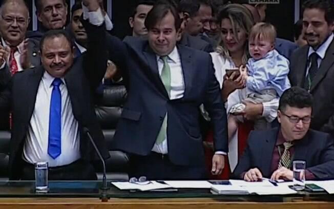 Com 293 votos, o deputado Rodrigo Maia foi reeleito presidente da Câmara dos Deputados nesta quinta-feira