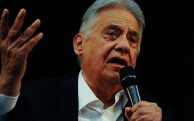 """""""Não sei até se tem pensamento"""", ironizou FHC, sobre o deputado Jair Bolsonaro"""