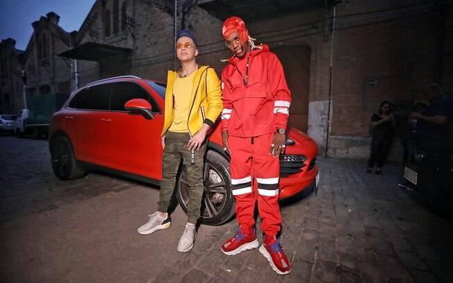 Wesley Safadão e MC Kekel caracterizados para o clipe de Desencana