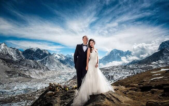 James Sissom e Ashley Schmieder resolveram se casar no Monte Everest