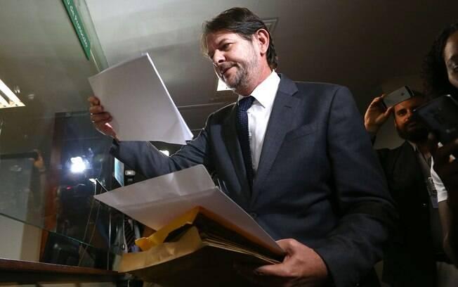 Cid Gomes protocolou ação contra Michel Temer na Câmara dos Deputados