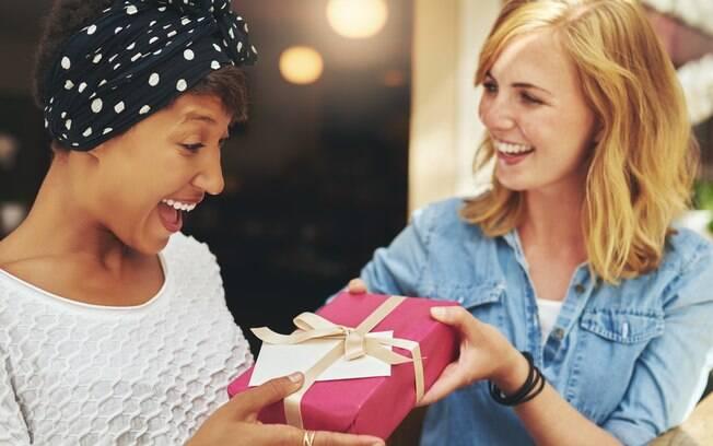 Na hora do amigo secreto, é importante saber sobre os gostos da pessoa para não errar na escolha do presente