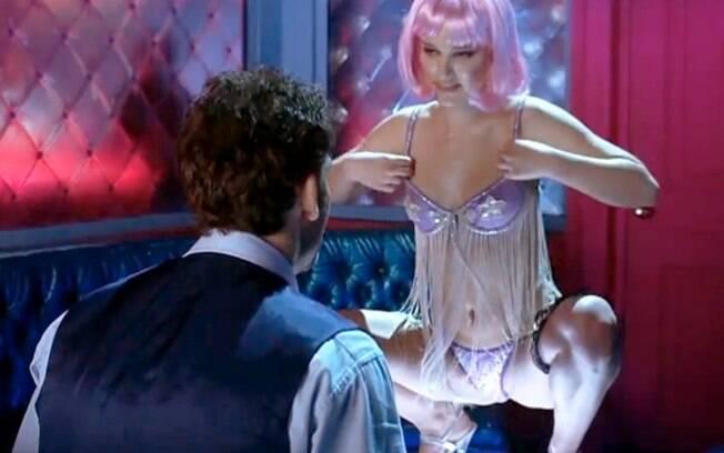 Natalie Portman faz um striptease de arrasar no filme 'Closer'