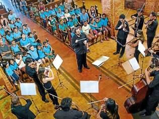 Espetáculo. As apresentações da Orquestra Ouro Preto acontecem nas igrejas dos distritos
