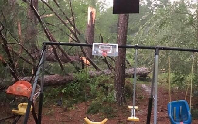 Tornado deixou rastro de destruição e mortes