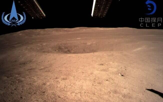 Sonda envia primeira foto do lado oculto da Lua, após aterrissagem em área desconhecida