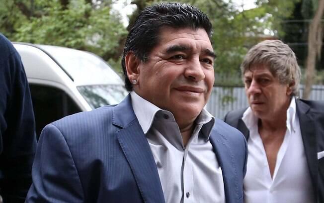 Maradona tem a vida cercada de polêmicas