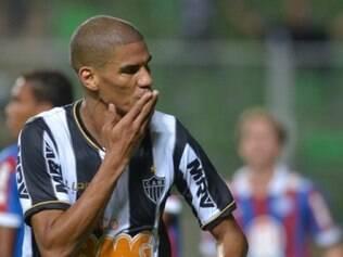 Zagueiro atleticano confia na força do grupo alvinegro e quer conquistar o Brasileirão