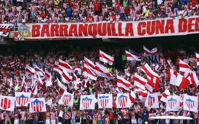 Bandeiras manuais estão proibidas pela Conmebol em 2019 por motivos de segurança