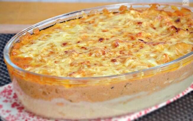 Torta de batata e estrogonofe