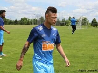 Neilton espera ganhar mais ritmo para poder mostrar o melhor do seu futebol no Cruzeiro