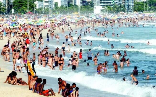 Mais de um terço das praias de São Paulo estão impróprias para banho