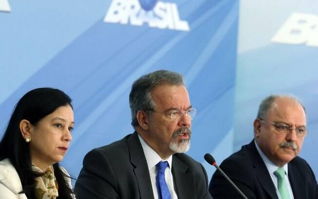 Grace Mendonça, Raul Jungmann e Sérgio Etchegoyen falam sobre o fim da greve dos caminhoneiros