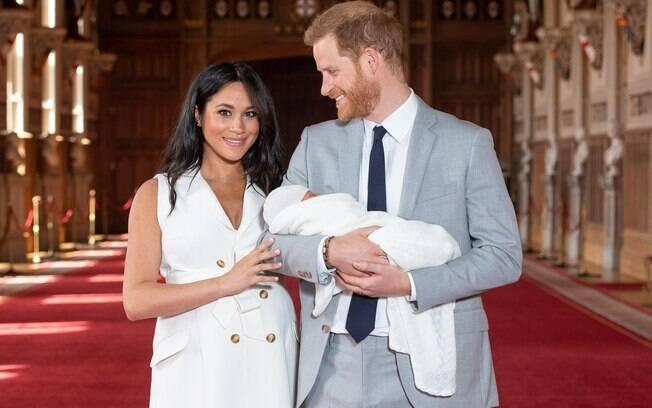 Família Real publicou fotos de Archie com os pais