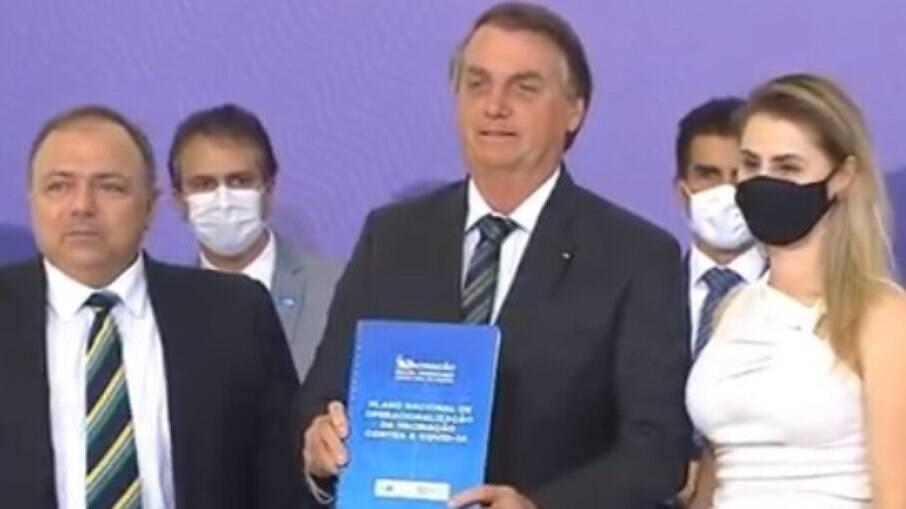 Presidente Jair Bolsonaro e ministro da Saúde Eduardo Pazuello