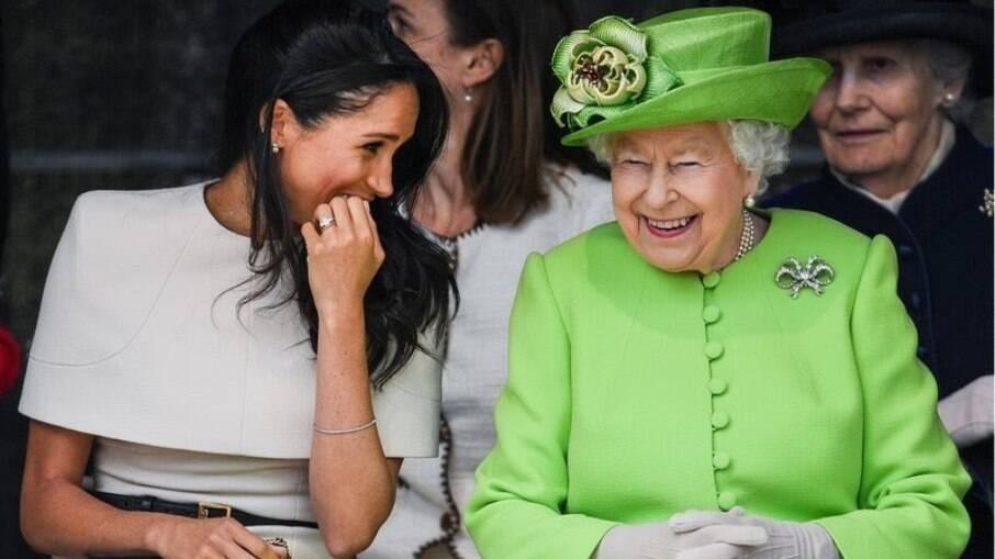A rainha quer mais tempo para emitir um comunicado