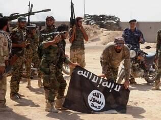 Com ameaça de grupos terroristas, como Estado Islâmico, aumenta segurança em aeroportos