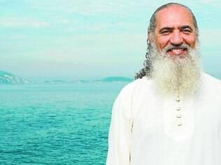 Sabedoria. O mestre Sri Prem Baba afirma que o ser humano precisa despertar para a necessidade de integrar seu lado sombrio e remover o medo e o ódio para ser feliz