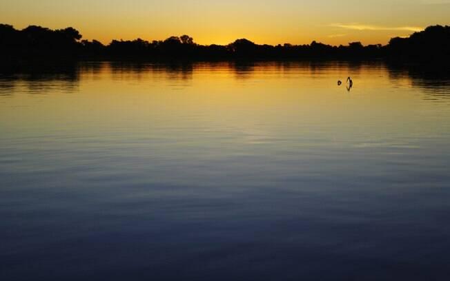 Pantanal: santuário ecológico e pôr-do-sol multicolorido