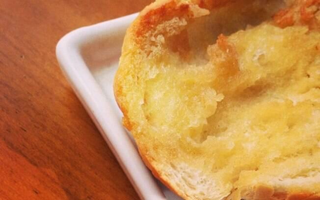 O pão na chapa tradicional é fácil de fazer, mas tem seus truques
