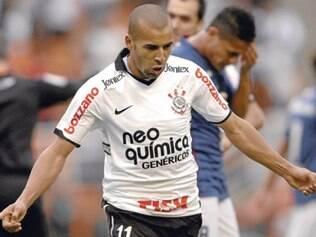 Time alvinegro fez 1 a 0 no Bahia e evitou disparada do Vasco na liderança