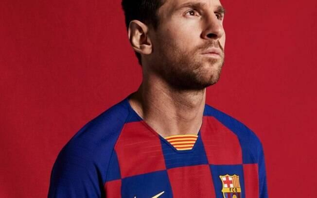 Messi foi um dos garotos propaganda do novo kit home do Barcelona