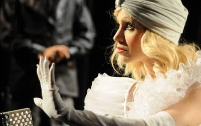 Mel Lisboa em cena do espetáculo