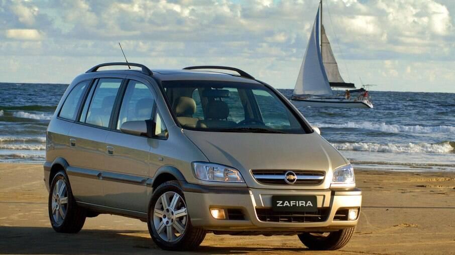 Chevrolet Zafira: minivan de 7 lugares tinha sistema prático de bancos que contribui com a versatilidade do modelo