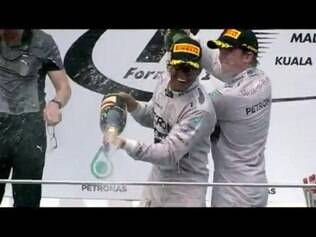 No Mundial de Pilotos, Rosberg lidera com quatro pontos de vantagem sobre o companheiro de time Hamilton. O GP do Canadá acontece no dia 8, às 15h (de Brasília).