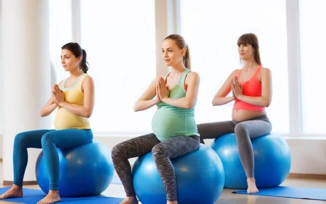 A autorização de um médico obstetra é essencial para praticar o pilates e qualquer outro exercício durante a gestação
