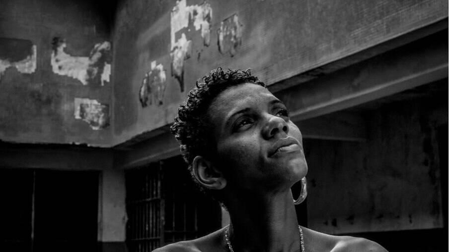 No documentário 'Flores do Cárcere', mulheres egressas relatam vida na penitenciária