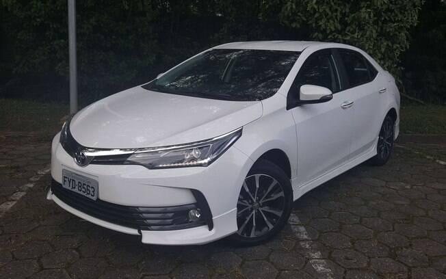 Toyota Corolla  XRS: custa R$9 mil a mais que a XEi pelo visual esportivo, mas sem mudar o desempenho