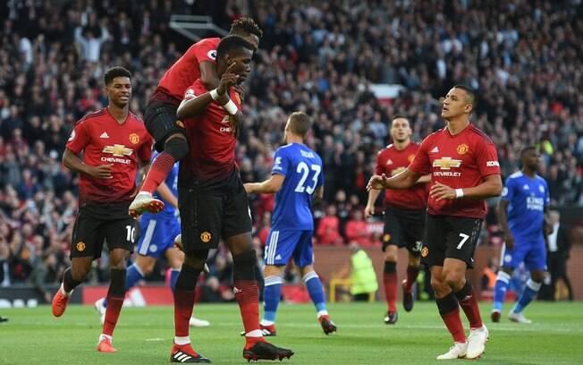 Pogba marcou o primeiro gol do Manchester United e da Premier League 2018/19 na vitória por 2 a 1 sobre o Leicester