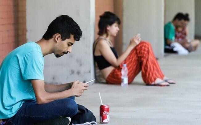 Estudantes da rede estadual têm até hoje para confirmar interesse em chip com internet